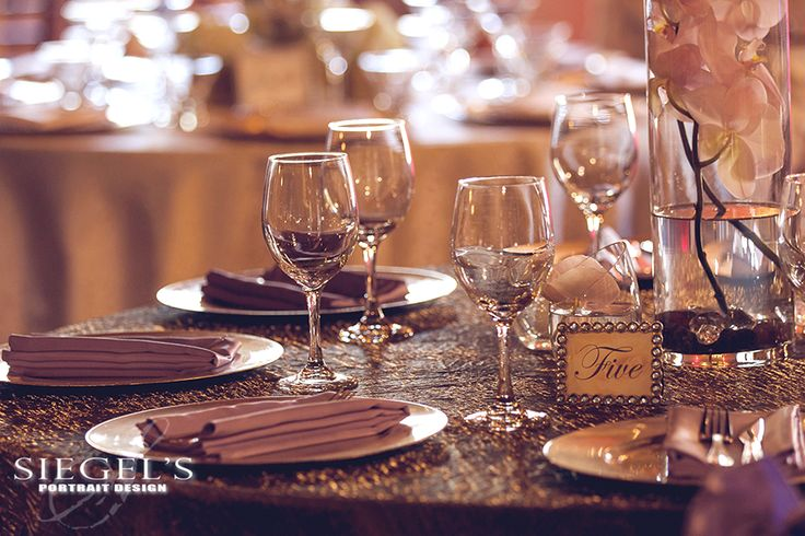 Gorgeous look for a winter wedding. Love the Steel Crush with the Periwinkle napkins