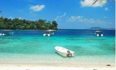 Pantai Teupin Layeu & Pantai Teupin Sirkui – Merupakan pantai yang menjadi tujuan utama wisata di kota sabang. Pulau weh Sabang Aceh