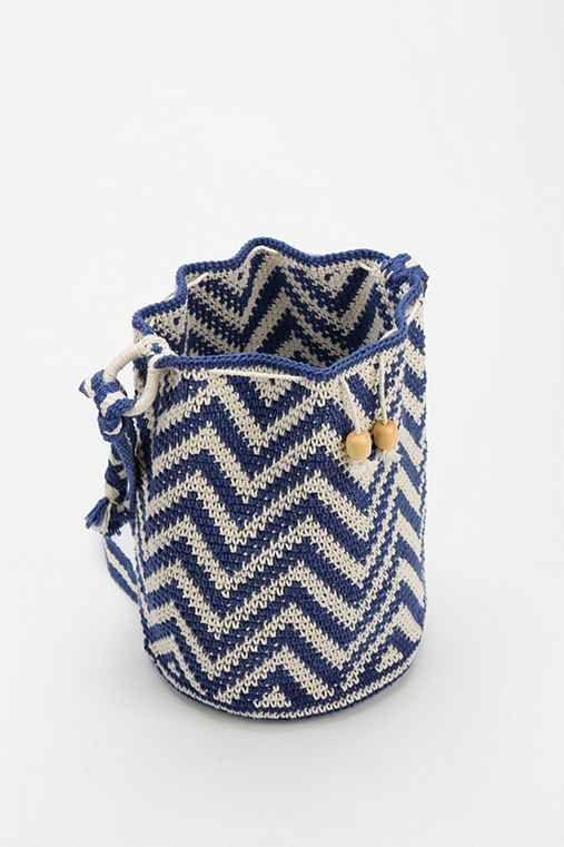 Hiptipico Bambo Bucket Bag. Fun vacation bag