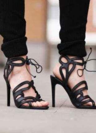 Kup mój przedmiot na #vintedpl http://www.vinted.pl/damskie-obuwie/na-wysokim-obcasie/13229497-boskie-szpilki-sandalki-wiazane-zara