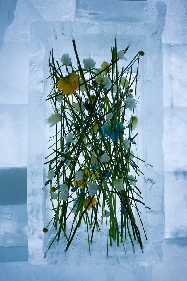 Amazing piece of floral art by Per Benjamin.