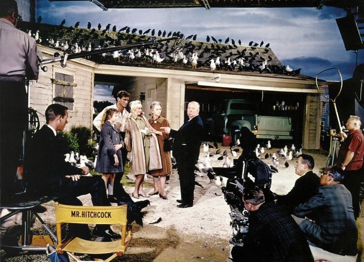 "Alfred Hitchcock's ""THE BIRDS"". Tippi Hedren, Rod Taylor,Suzanne Pleshette, Jessica Tandy and Veronica Cartwright on set."