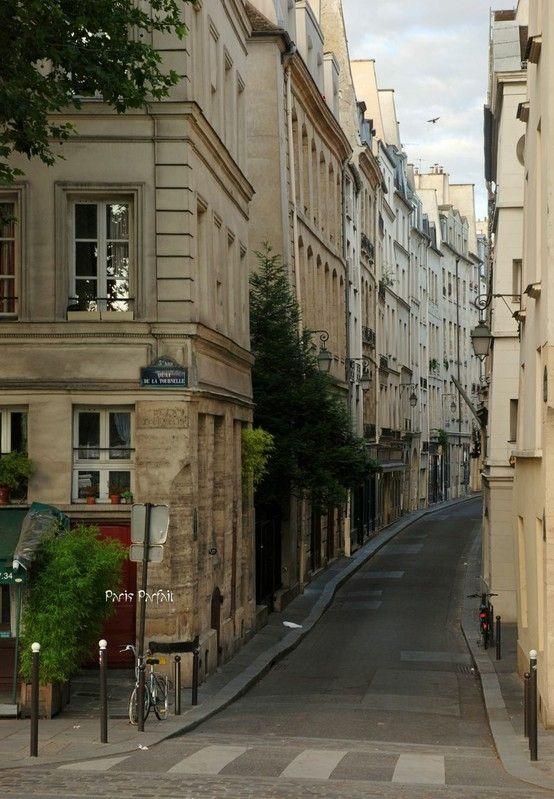 Latin Quarter, Quai de la Tournelle, Entrance of the rue de Bièvre, Paris