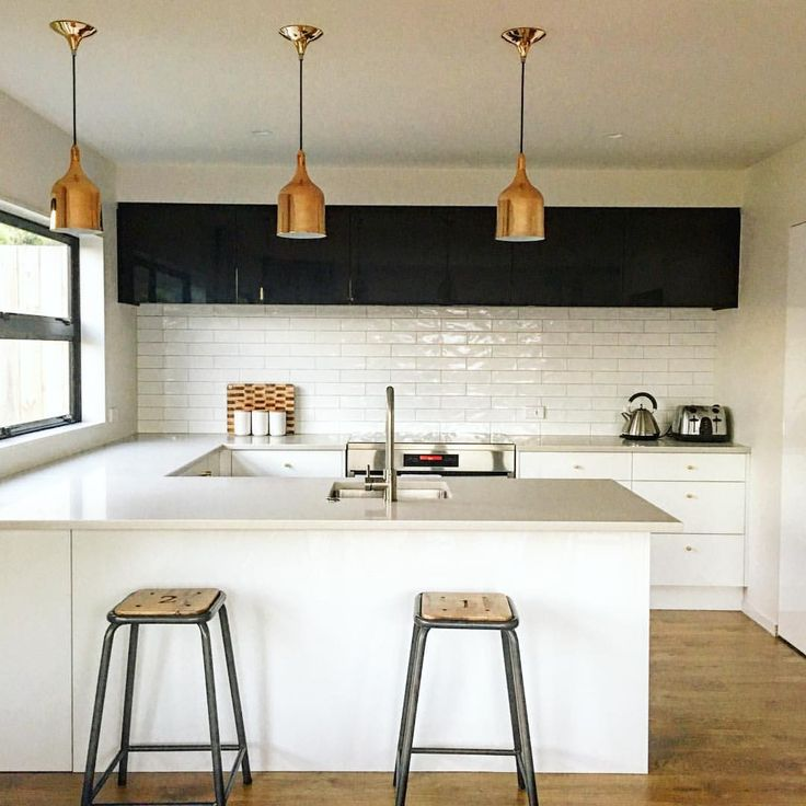 """229 Likes, 11 Comments - hindy weber (@hindyweber) on Instagram: """"Clean lines. Copper fixtures. Can't complain.  #auckland #kitchenporn"""""""