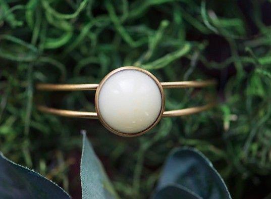 Breast milk jewelry turns mother's liquid gold into a wearable keepsake | Inhabitots