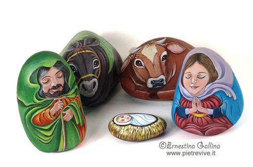 Presepe  Nativity set 1 All hand painted river rocks