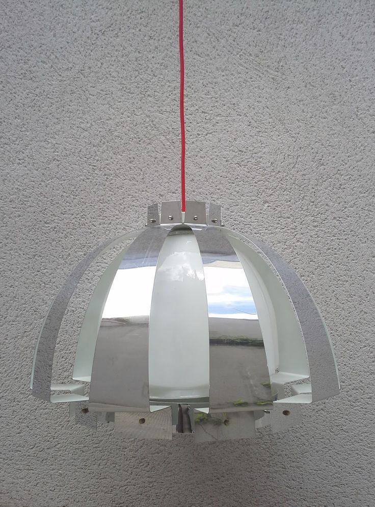 Lampara de techo italiana años 70. Disponible en gancemania.com