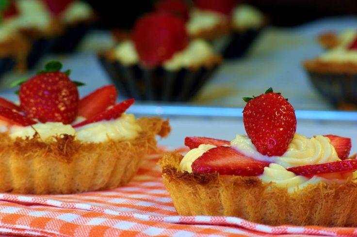 Μια γλυκιά και απολαυστική τάρτα με φράουλες εποχής