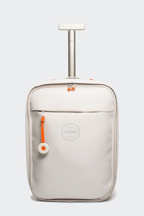 Airbag: Lightweight carry-on | Designer: Michael Young - for Zixag - http://www.zixag.com/index.php