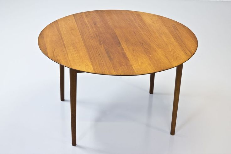modernisten - Solid teak dining table by Hvidt & Mølgaard