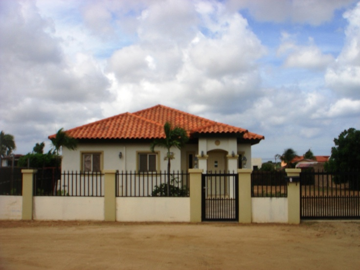 Awg. 352,000 Property Land 980 m2.  3 bedrooms and 2 bath rooms.