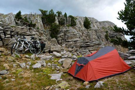 Con un par de ruedas / Adventure & Cycling - ALTA RUTA TRANSPIRENAICA II - De Vielha a Cabo Higuer