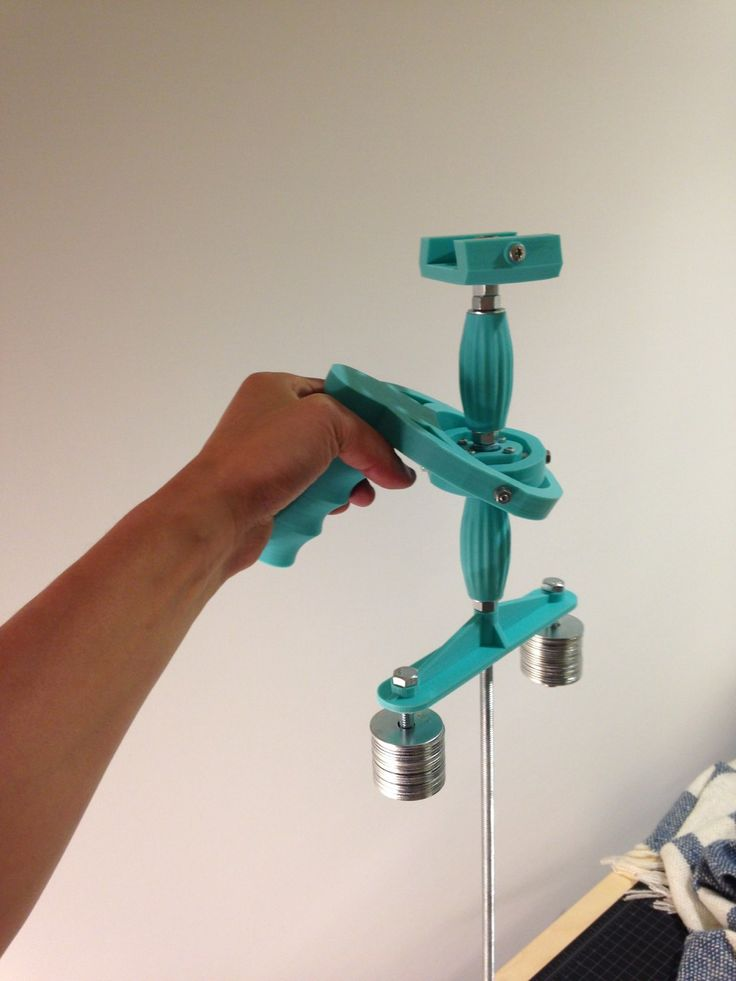 3D Printed Glidecam | Follow the link to find several Glidecam style gimbals as FREE downloadable files.  #3dprinting