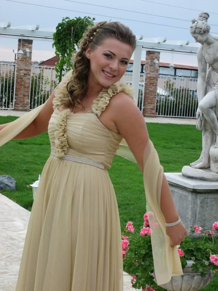 Ioana - golden long evening dress with matching scarf