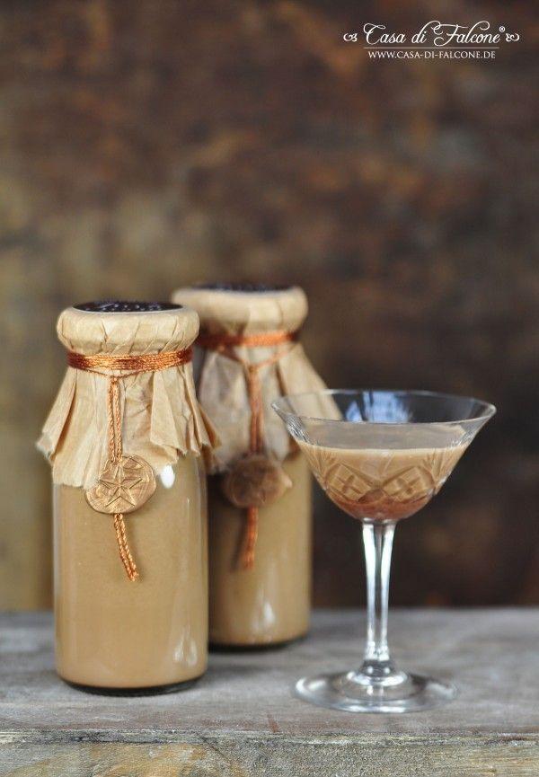 """Espresso- bzw. Kaffeelikör auch bekannt als """"irish cream"""" ist ein perfektes Last-minute Geschenk aus der Küche. Die Zutaten für diesen leckeren Likör hat m"""
