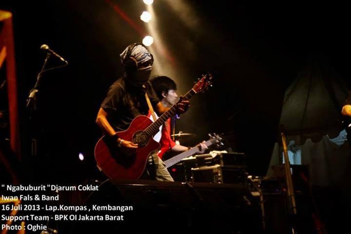 Konser Ngabuburit IWAN FALS and Band