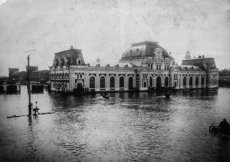 Павелецкий вокзал во время наводнения 1908 года