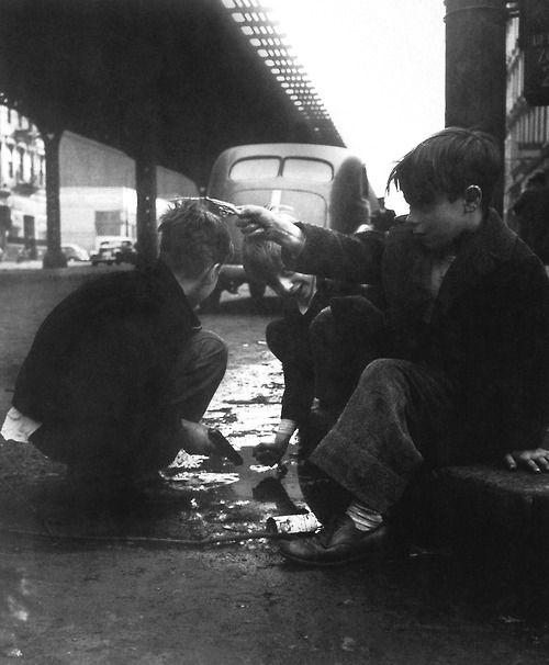 Lower East Side Manhattan 1937-1950 Photo: Rebecca Lepkoff