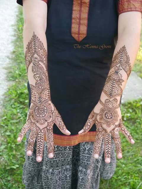 Bridal at home in Krishna Valley #bridalmehndi #henna #mehndi #mandala #drum #peacock