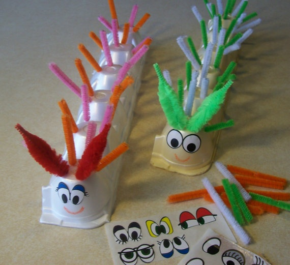 Provide cut pipe cleaners, assorted boxes, eyes etc with photos of echidnas.