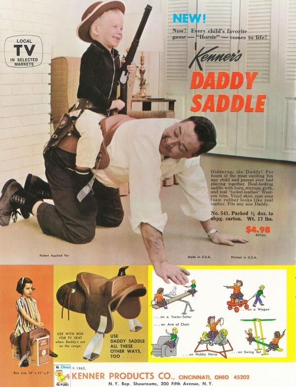 daddy saddle, 5 dollar ben je het heertje. Dat dit niet werkt snap je natuurlijk ook wel, een klein buigje naar links of rechts en kind ligt met zadel naast  je. Maar blijft wel cool. Ik zou dit willen hebbne als kind.