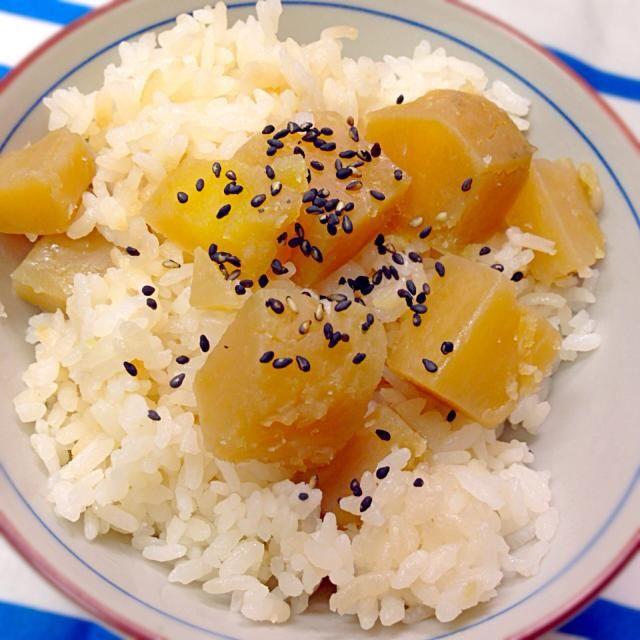 炊飯器で炊いただけ♡ - 16件のもぐもぐ - 秋なので♡さつまいもご飯 by ☆*yuko's kitchen*☆