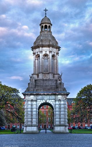 Trinity Campanile, Trinity College, Dublin, Ireland - By flamouroux on Flickr