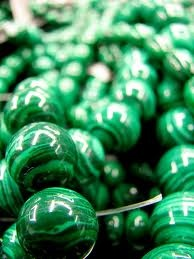 Malachite assists in overcoming fear of confrontation, or fear of being seen or noticed, and helps one find the strength within to assume their rightful place in the Universe.