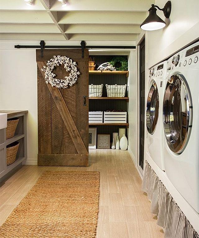 Okay, we officially NEED a barn door in our laundry room like @jennasuedesign (📷: Gary Johnson Photography) #homedecor #farmhousestyle