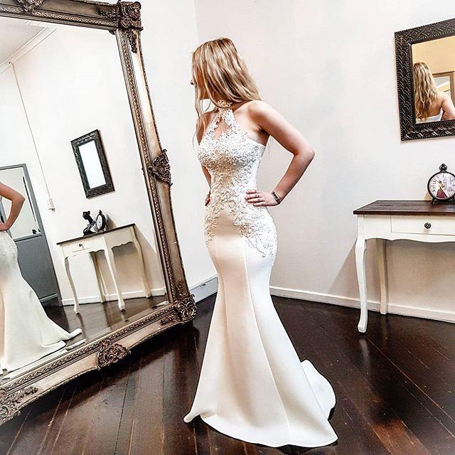 #lastfitting @ziancouture for the stunning Senija #ziancouture#realbride#fashion#realwedding#DIYbride#style#weddingday#weddingdress#weddingphotography#bride#bridal#love#brides#couture#amazing#weddinggown#photooftheday#gettingmarried#beautifulbride#dress#bridaldress#inspo#bridesmaids#weddedwonderland#hautecouture#instadride#weddingblog#weddingidea#inspireme