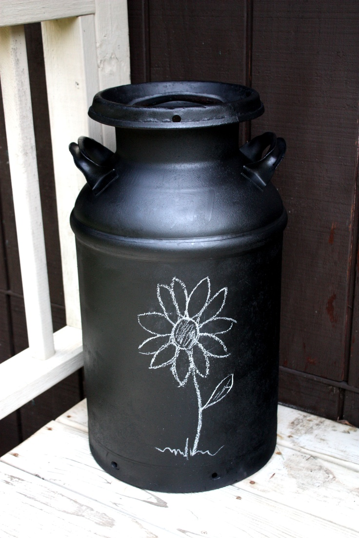 Best 25 painted milk cans ideas on pinterest milk can for Milk can table ideas
