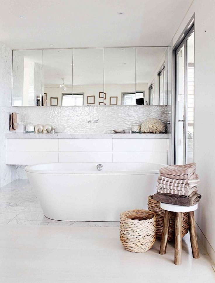 salle de bains, salle de bains blanche,