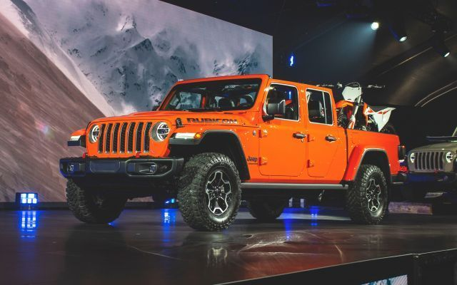2020 Jeep Gladiator First Look Release Date And Price In 2020 Jeep Gladiator Classic Pickup Trucks Jeep Pickup Truck