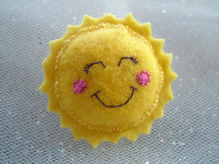 Felt Sun Brooch - Kawaii Pin Accessory.