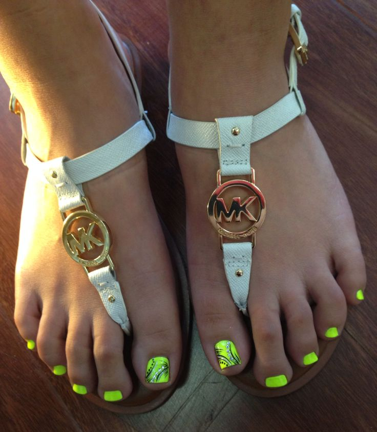 Summer toe nails, Neon Lime Green with Black Detail Design