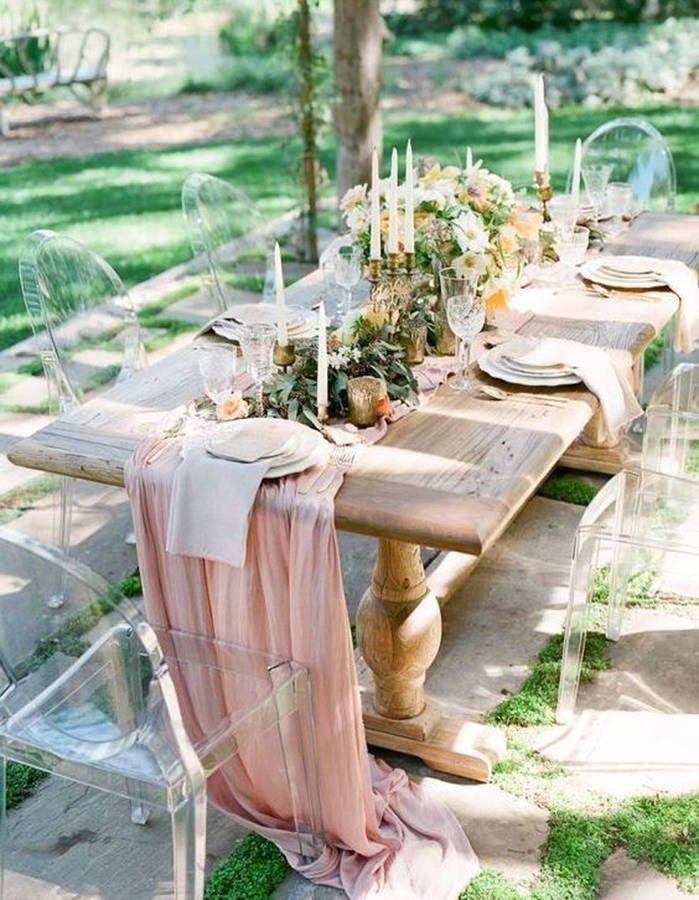 Table De Mariage 35 Idees Deco Dignes De Ce Grand Jour Elle Decoration Decoration Mariage Romantique Table Mariage Chemin De Table Mariage