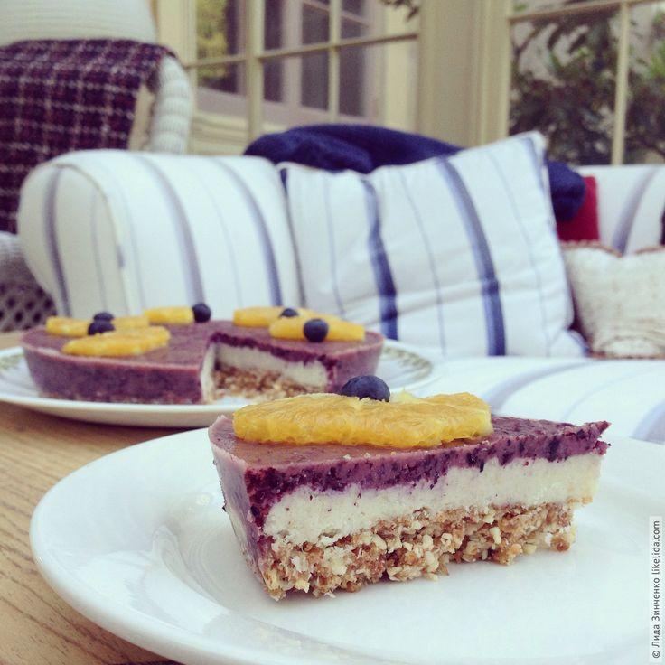 Совершенно невероятный пирог: нежный, вкусный, достаточно сладкий и, главное, полезный! Орехи, кокосовая стружка, ягоды - всё лучшее для нашего организма. Кстати, для аллергиков на глютен, такой пирог - находка, ведь …