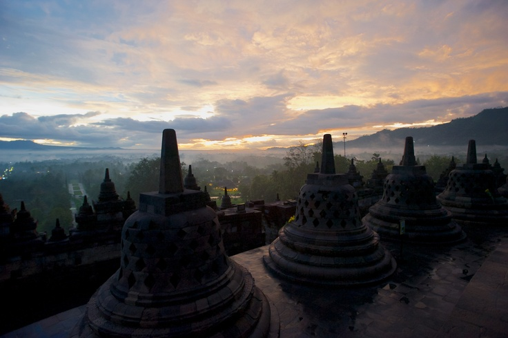 Borobudur sunrise (natbrice)