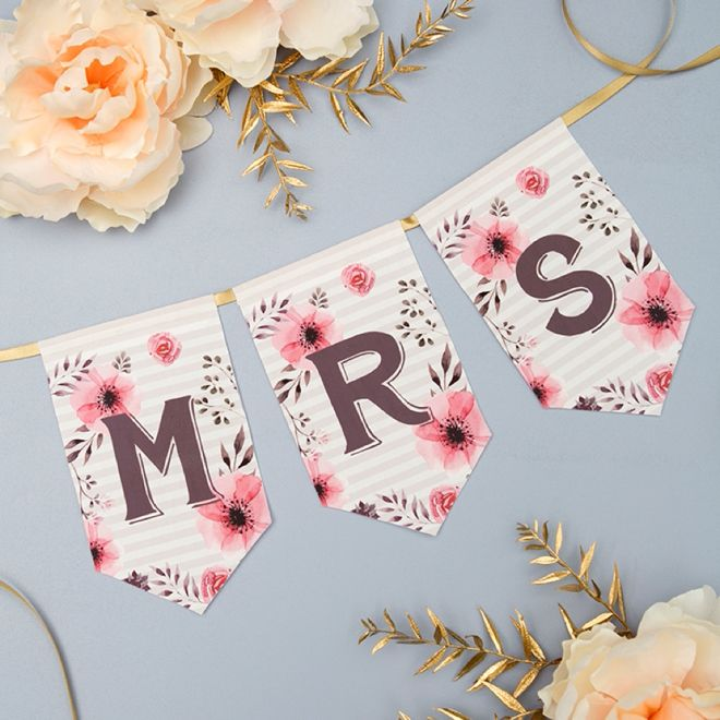 Using just cardstock, print our darling and FREE alphabet letters to create a banner that says anything you want! Aqua and coral designs!