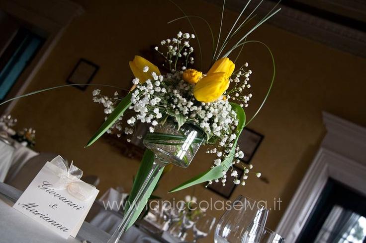 composizioni floreali con tulipani gialli