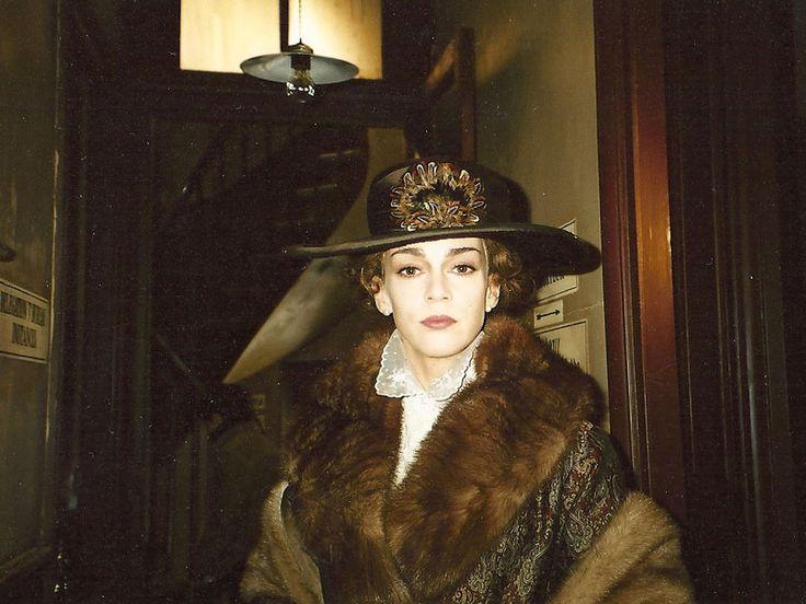 Maruschka Detmers as Mata Hari.• 2003: Mata Hari, la vraie histoire (TV Produktion), Frankreich, Regie: Alain Tasmam