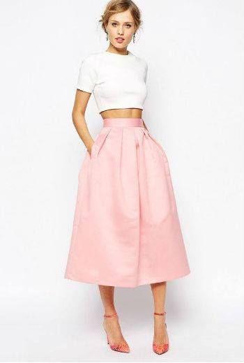 Tecido da saia deve ser nobre e o corte bem clássico