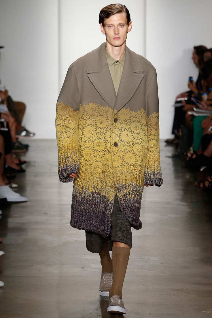 See the complete Parsons MFA Spring 2015 Ready-to-Wear collection.