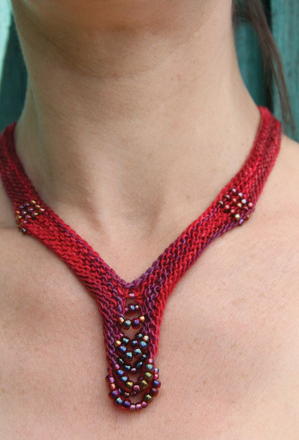 Additional Related Links: http://www.nelkindesigns.com/index.cfm/page/patterns/Adorn/CrochetButin.htm