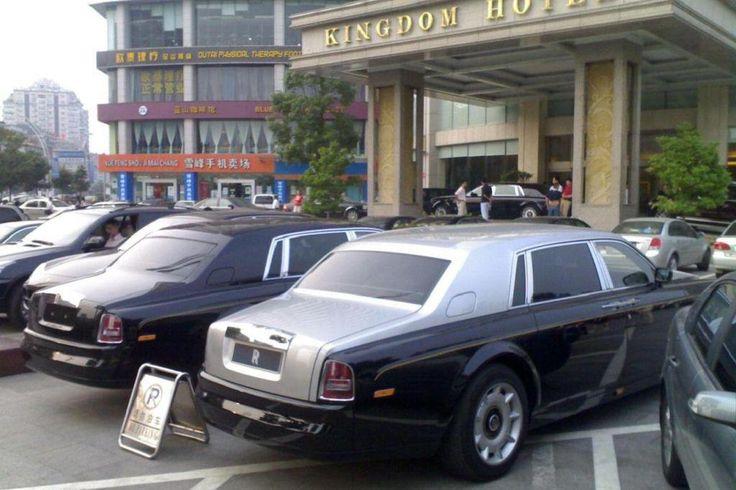 В Калифорнии дети богатых китайских переселенцев ездят на самых дорогим автомобилях, которые существуют в мировом автопроме.