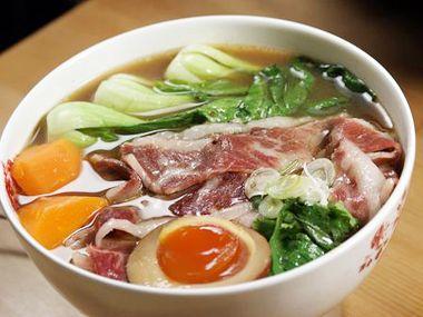 台南牛肉麵‧桃花源牛肉麵館 From大台灣旅遊網