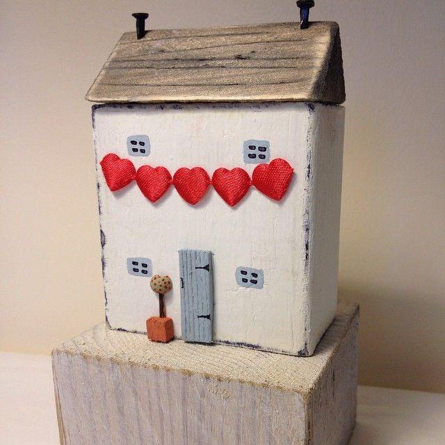 Boite Aux Lettres En Bois Forme Chalet : de objets maisons sur Pinterest Maisons en bois, Maisons et Petites