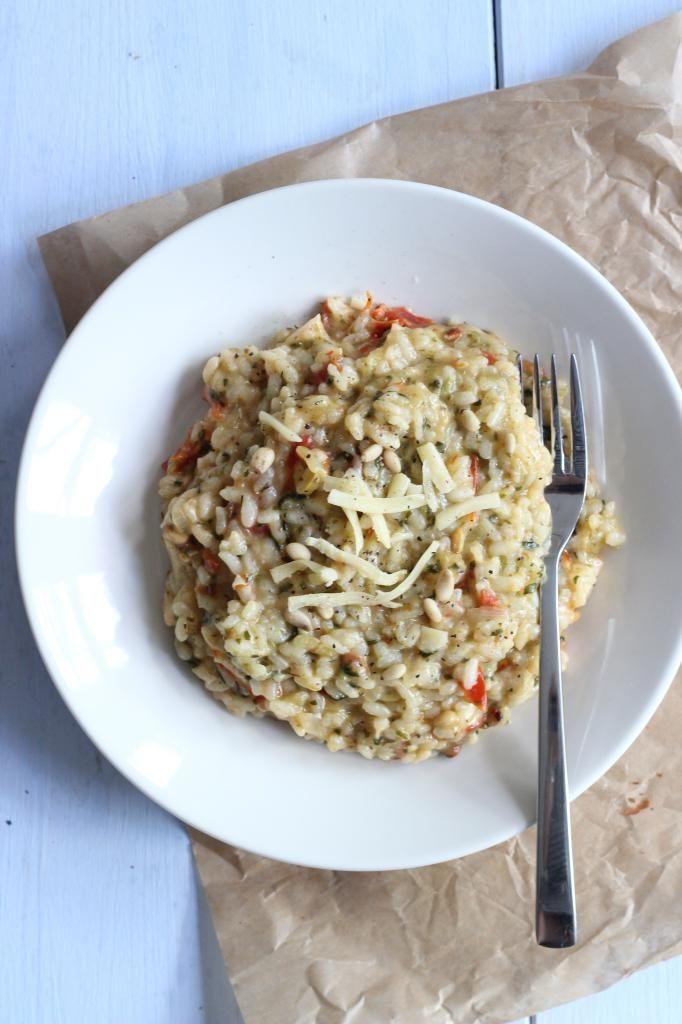 Risotto met spinazie en zongedroogde tomaatjes - Lekker en Simpel