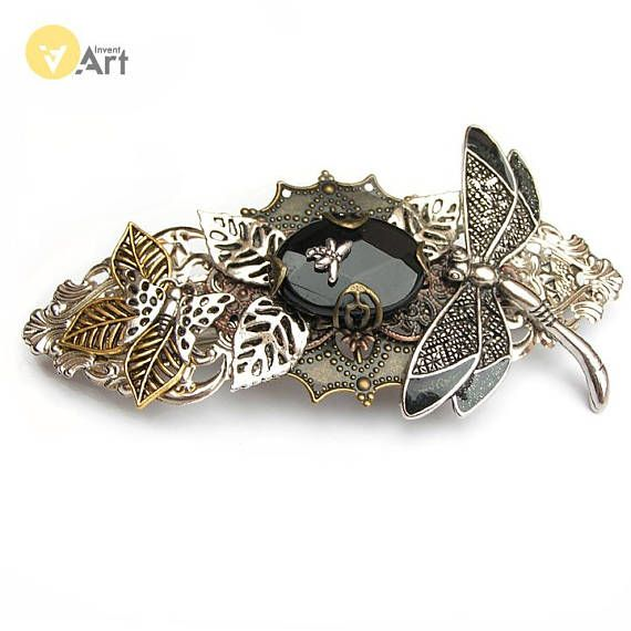 Steampunk hair clip, of my husband production, is the perfect complement for earrings. By the way, raised hairs expose the neck highlighting the decoration of ears. Automatic clasp is extremely easy to use, so improve the hair takes only one smile. Using materials: onyx stone, watch