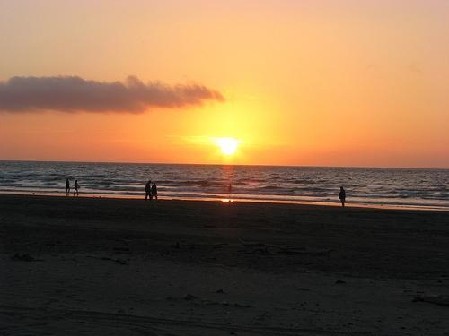 Stunning sunset at Waiterere Beach